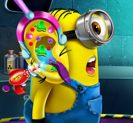 Play Minion Ear Doctor Game