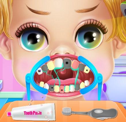 Play Baby Princess Dentist Brackets Game