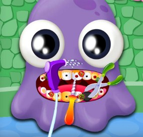 Play Moy Dentist Care Game