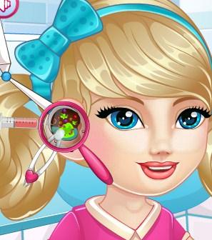 Play Lisa Ear Doctor Game