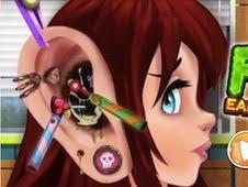 Play Fun Ear Doctor Game